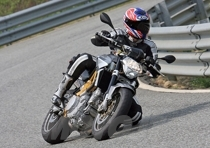Linearità al servizio del motociclista