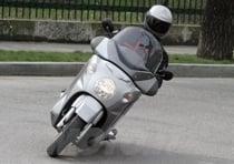 39 cv (29 kw) a 7.250 giri con una coppia di 4,1 kgm (40 Nm) a 5.500 giri